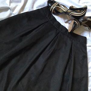 Yige skirt size 4